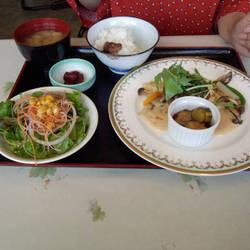 [中華料理]とまとりあ