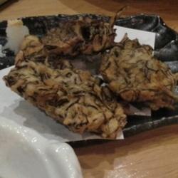 これも沖縄に行くと毎回食べますよ! 東京ではもずくはもずく…