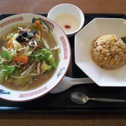 [中華料理]ロイヤルチャイナカフェ中華菜飯