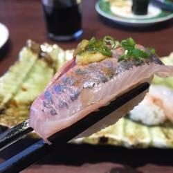 [回転寿司]回転江戸前すし とれとれ屋 西宮大島店