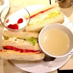 [喫茶店]喫茶室ルノアール 水道橋西口店
