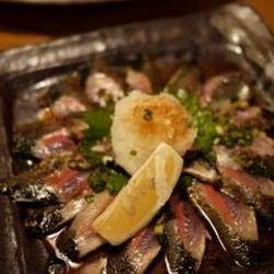 脂がのった秋刀魚に肝ソースをつけるとめちゃくちゃうまかった…
