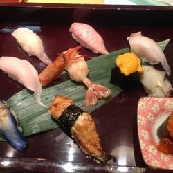 そう言えば福岡でお寿司食べた事ないや。。。。   お魚処な…