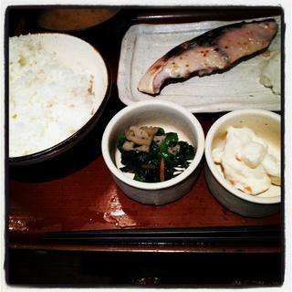 [食堂・定食]焼魚食堂 魚角 三軒茶屋店