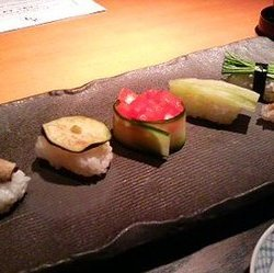 すべてのネタがお野菜のお寿司なんて珍しい!