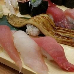 [寿司屋]沼津魚がし鮨 羽田空港店