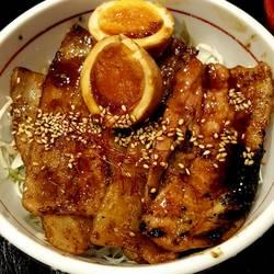 [やきとん・豚料理]イクスピアリ いち膳屋 ICHIZEN-YA 炭焼豚丼