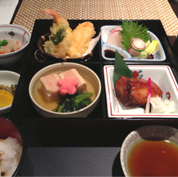 [洋食屋]福岡山王病院 レストラン オーブ