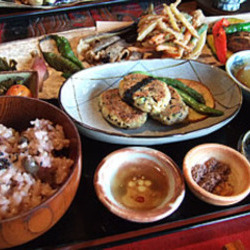 [日本料理]自然菜食・ナイヤビンギ