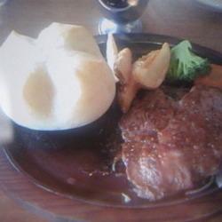 じゅうじゅう大きな柔らかいお肉で、とってもおいしかったです…